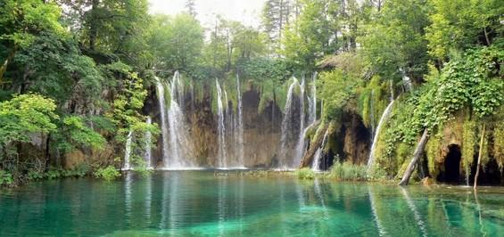 Прекрасниот национален парк Плитвички Езера во Хрватска