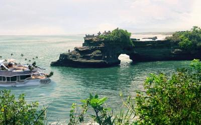Орсос - Вашиот личен остров кој плови