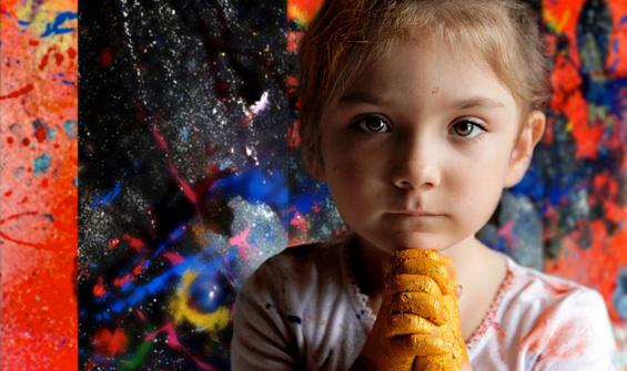 5-годишно девојче заработува по 12.000 долари за продадена уметничка слика