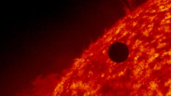 Фотографии и снимки од транзитот на Венера кои ќе ве остават без зборови