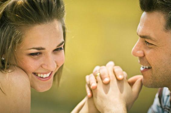10 знаци дека вистински е заинтересиран за тебе