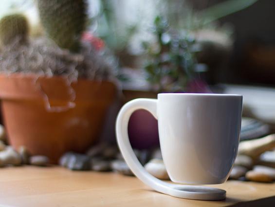 Лебдечка шолја за кафе