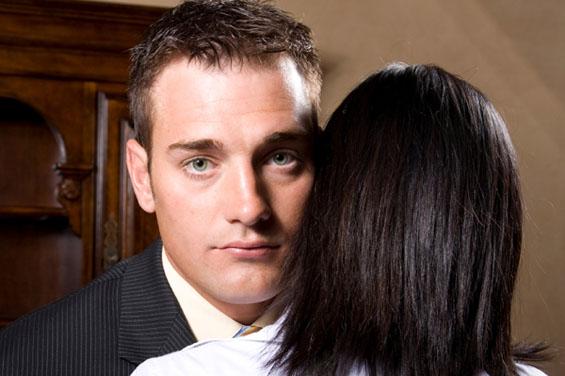 10 работи кои го издаваат дека ве лаже