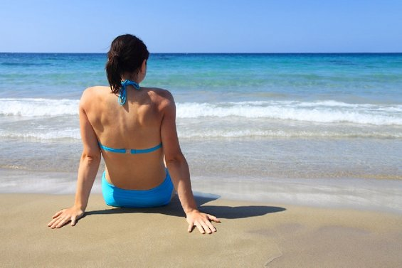 Дали е опасно да пливате пред да помине еден час од вашиот оброк?