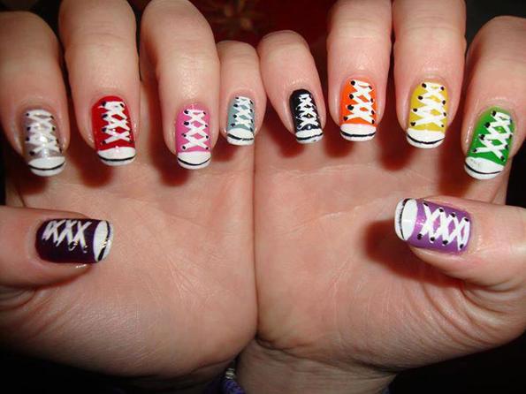 Како да ги дизајнирате ноктите со изглед на култните патики Старки?