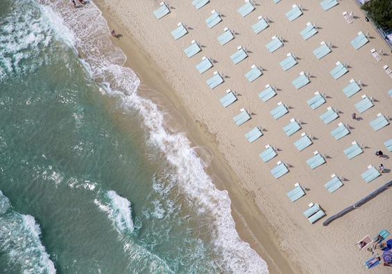 Фотографии со плажи сликани од птичја перспектива