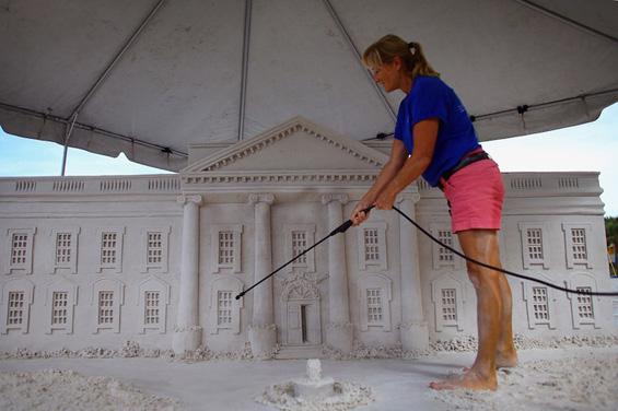 Белата куќа во Сад, изградена само од песок