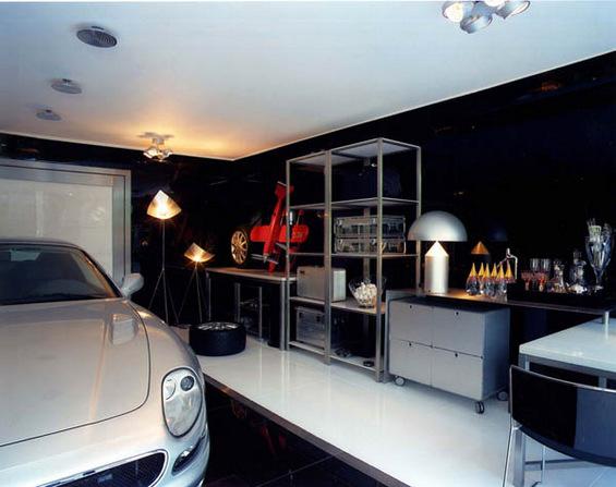 Би живееле ли во ваква гаража?