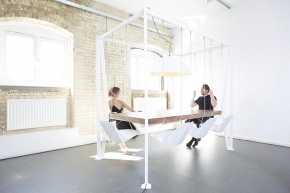 Трпезариска маса со столчиња-лулашки