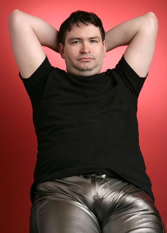 Џона Фалкон - човекот кој има најголем пенис на светот