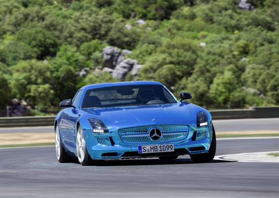 Фантастичен Мерцедес Бенц – најмоќниот електричен спортски автомобил во светот