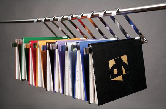 """""""Откачени"""" полици за кул домашни библиотеки"""
