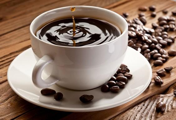 Како се произведува безкофеинското кафе?