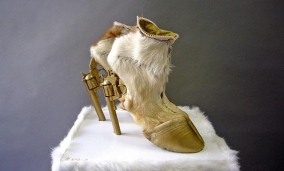 (1) Најгрдите чевли во историјата на модата