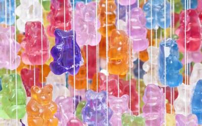 Сладок лустер создаден од гумени бонбони