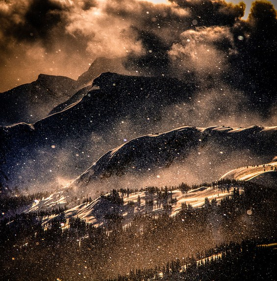Магијата на блескавата снежна идила