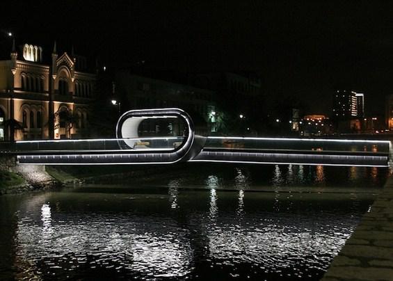 Превитканиот мост во Сараево