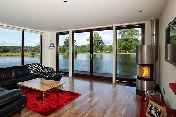 Раскошна куќа со приватно езеро