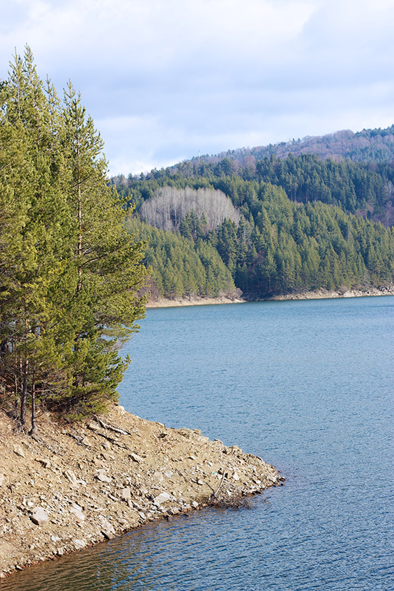 Зимска пладневна прошетка покрај Беровско Езеро