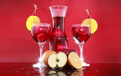 Природен овошен енергетски пијалак