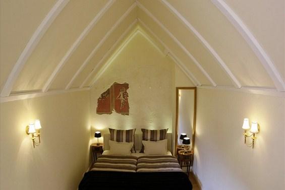 Најмалиот хотел во светот, наменет за заљубените парови