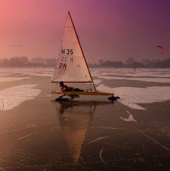 Неверојатни зимски спортови на природен холандски мраз