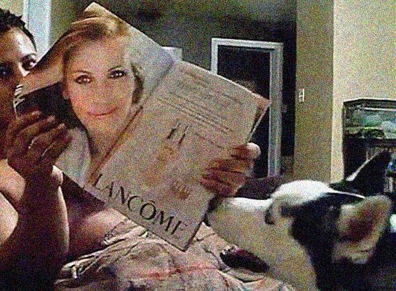 Куче кое се плаши од Џулија Робертс