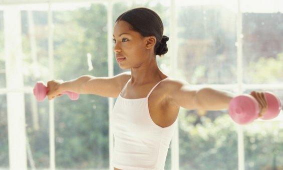4 ефективни начини да го намалите масното ткиво во рацете
