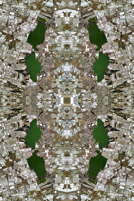 Килими исткаени од илјадници фотографии - доказ за човековото влијание врз екосистемот на Земјата