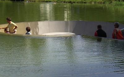 Како да влезете во езеро а да не се намокрите?