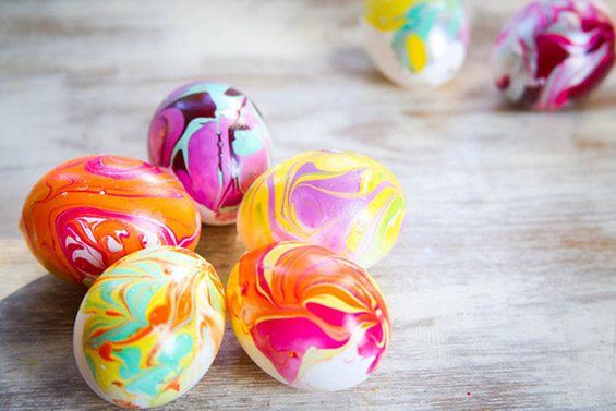 Направете сами: мермерни велигденски јајца