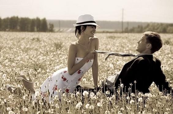 Пролетно сонце и вљубени погледи