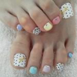 Пролетно разубавување на ноктите на вашите стапала