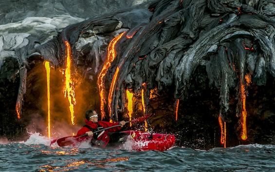 Возбудлива кајакарска авантура покрај активен вулкан