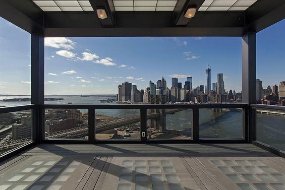 Поглед низ прозорецот вреден 18 милиони долари