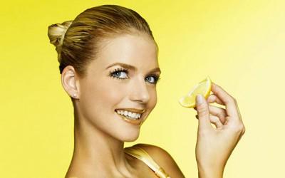 Како да осветлите косата со лимон?