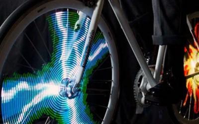 Како да изгледаш кул додека возиш велосипед?