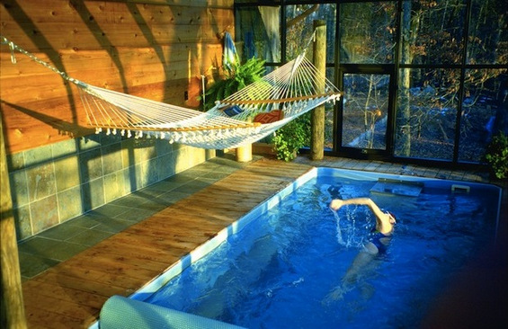 Затворени базени во префинет стил