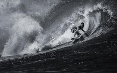 Сурферите во Хаваи во црно-бело издание