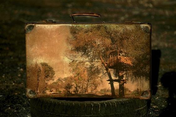 Стари куфери како платна за сликање носталгични спомени