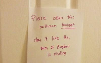 Исчисти ја бањата како да ќе доаѓа англиската кралица
