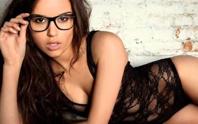 Секс трикови од порно филмовите кои вреди да се пробаат