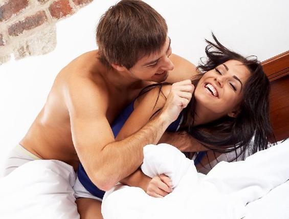 Како да имате секс со облека без да ја изгубите невиноста?