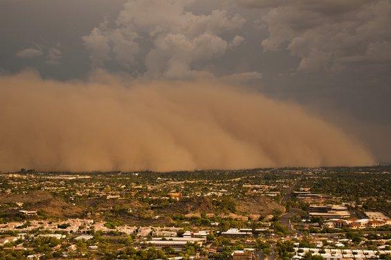 Застрашувачки фотографии од песочни бури