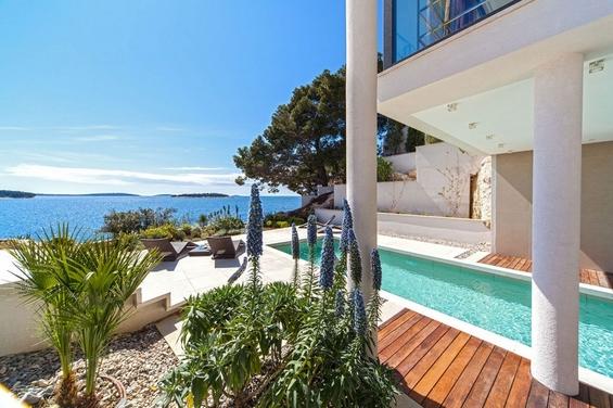 Елегантна вила за луксузен одмор во Хрватска