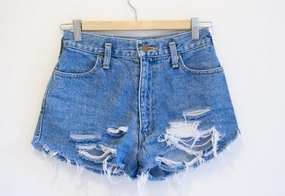 Направете шик летен шорц од стари фармерки
