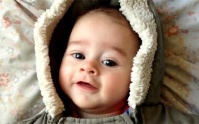Секој ден од животот на едногодишното бебе Индиго