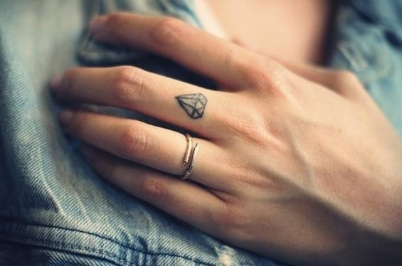 Секси, мини тетоважи со одличен ефект