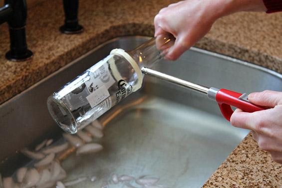 Како да си направите чаши од пивски шишиња?