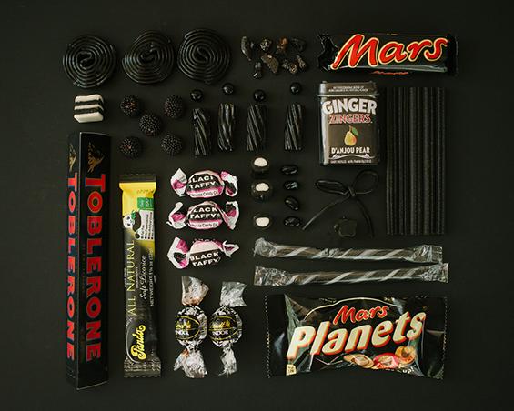 Во која боја најмногу ги сакате слатките задоволства?